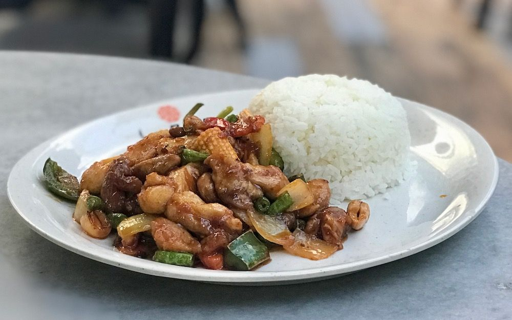 reis-huhn-hawker-market-singapur